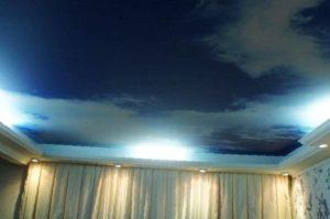 Потолок Облака в гостиную
