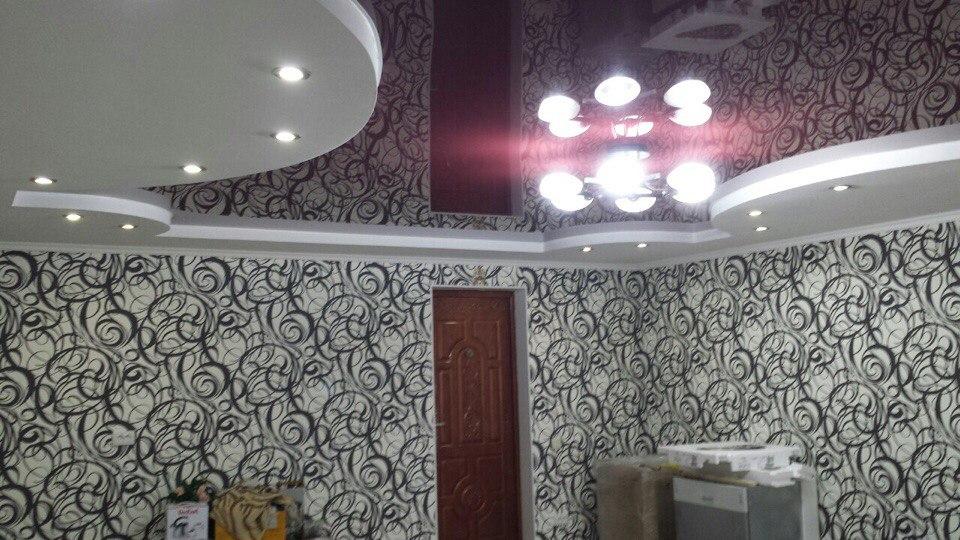 Глянцевые натяжные потолки СПб 2